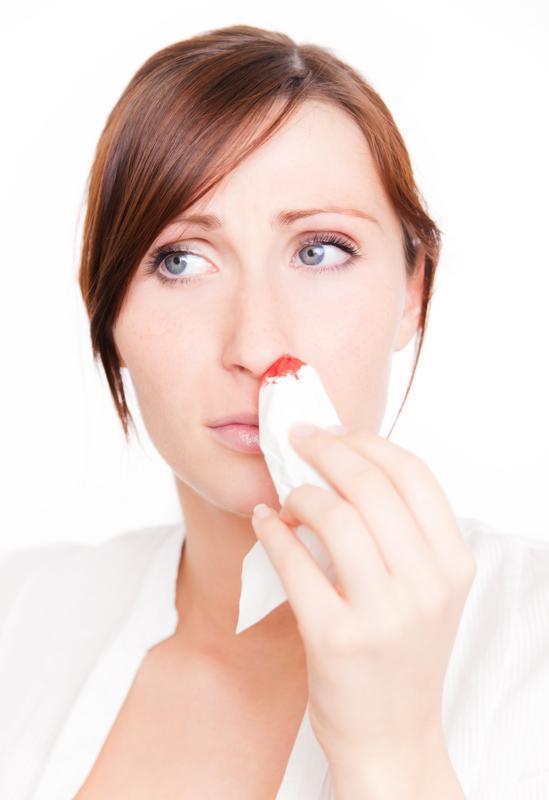 Cosa bisogna fare per fermare il sangue dal naso